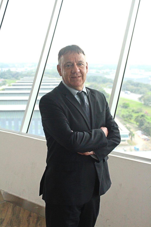 Prof Ian Pashby